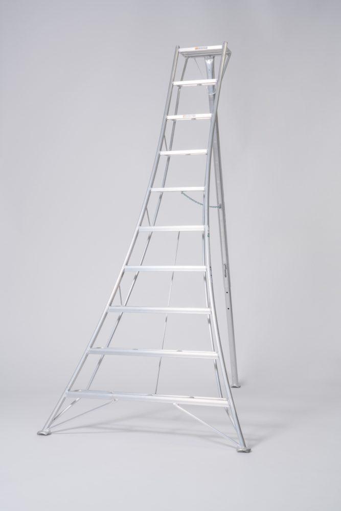 10 Step Australian Gardening Tripod Ladder 3070 mm